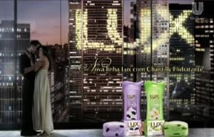 Sabonete Lux Chantilly e Amoras